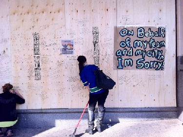 vancouver-riot-Bay-messages